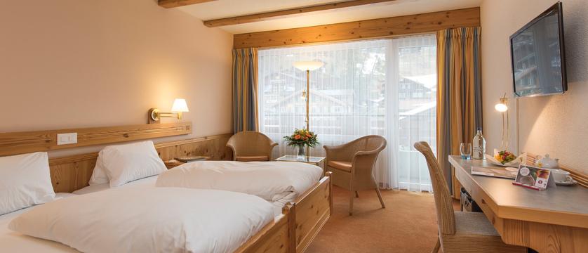 Switzerland_Grindelwald_Hotel_Sunstar_Alpine_Comfort_Bedroom.jpg